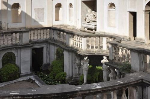"""The """"Garden Magic"""" of Italy"""